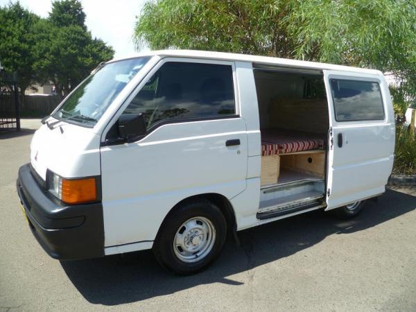 mini van a vendre d 39 occasion a sydney mitsubishi express. Black Bedroom Furniture Sets. Home Design Ideas